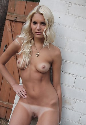 Free Blonde Teen Porn Pictures